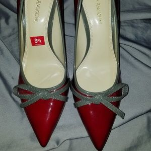 Perfect for holiday red& Gray pumps 9.1/2
